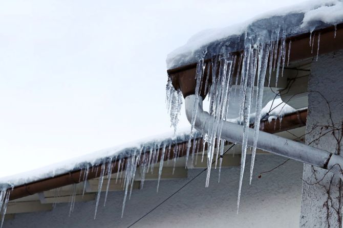 5 Ways Winter Weather Can Damage Your Home